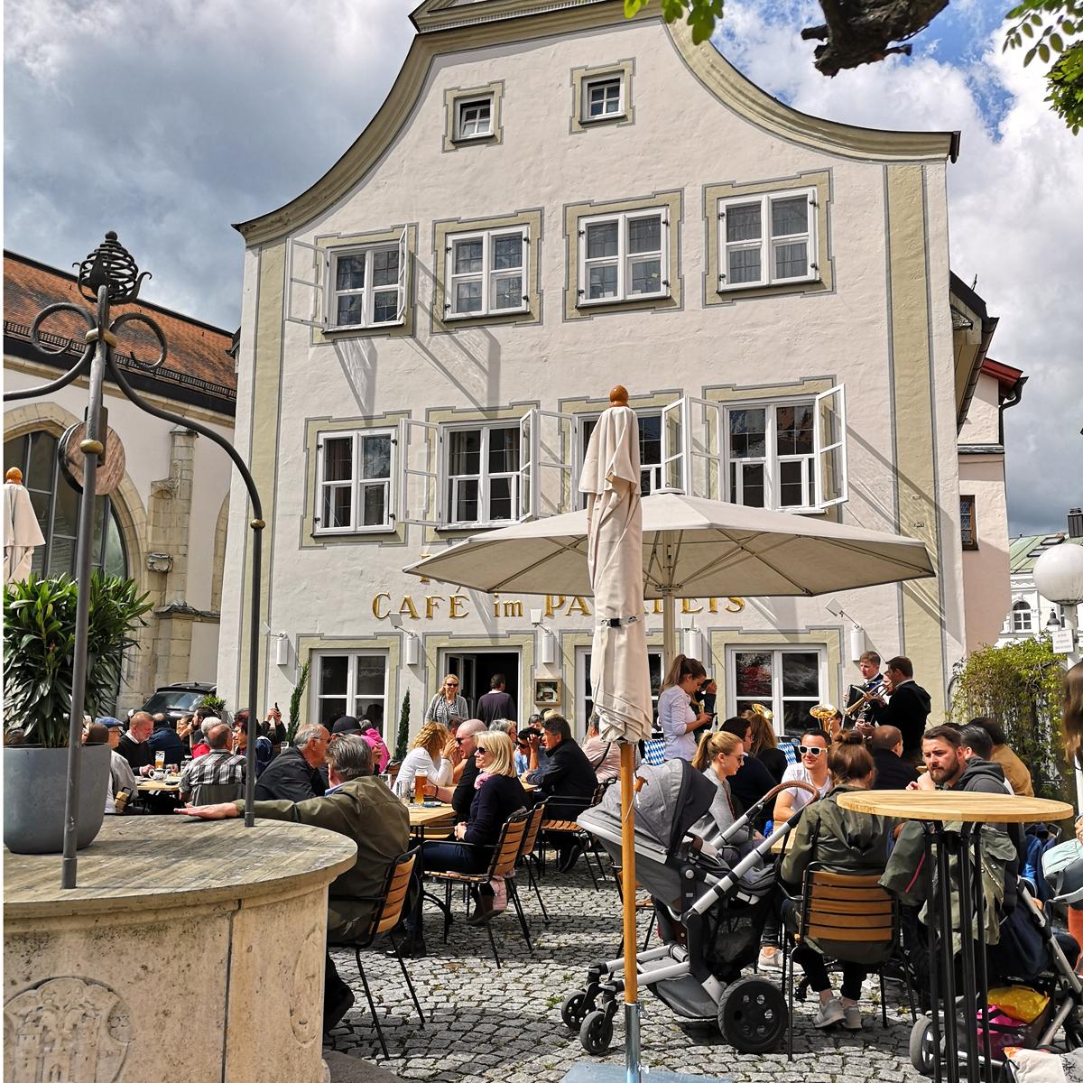 Café im Paradeis
